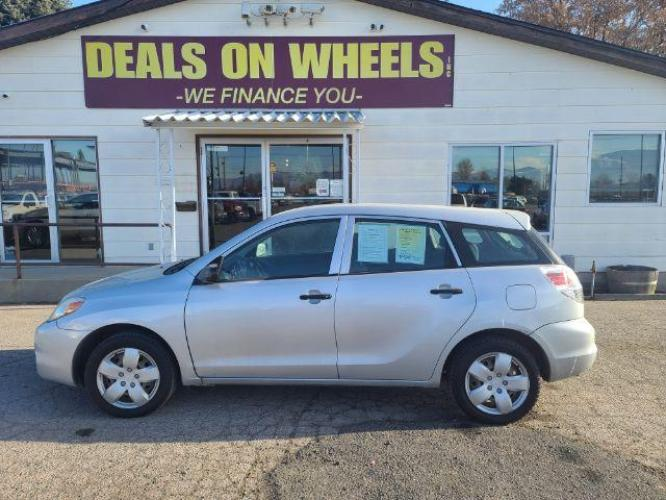 2006 Toyota Matrix 2WD (2T1KR32E06C) with an 1.8L L4 DOHC 16V engine, located at 1800 West Broadway, Missoula, MT, 59808, (406) 543-1986, 46.881344, -114.021065 - Photo #0