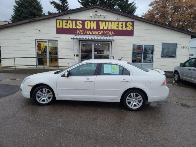 2008 Ford Fusion V6 SEL (3FAHP081X8R) with an 3.0L V6 DOHC 24V engine, located at 1800 West Broadway, Missoula, MT, 59808, (406) 543-1986, 46.881344, -114.021065 - Photo #0